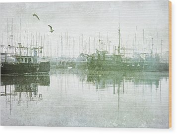 Misty Morning On The Boat Harbour Wood Print by Margaret Hormann Bfa