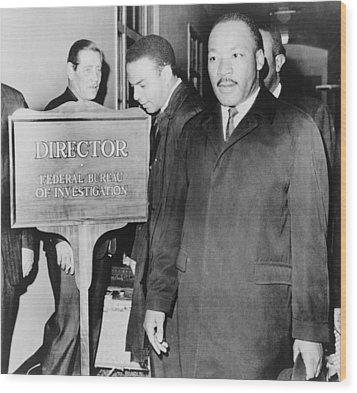 Mlk Enters The Fbi Building. Dr. Martin Wood Print by Everett