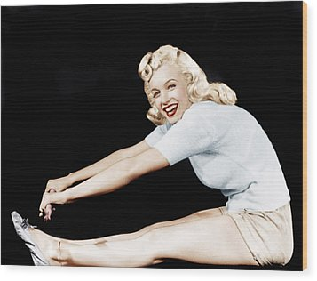 Model And Columbia Starlet Marilyn Wood Print by Everett