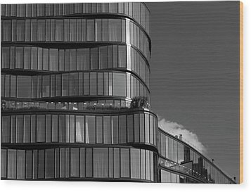 Modern Building Chelsea Nyc Wood Print by Robert Ullmann