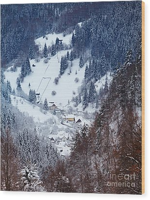 Moeciu Village In Winter Wood Print by Gabriela Insuratelu