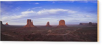 Monument Valley At Dusk Wood Print by Andrew Soundarajan