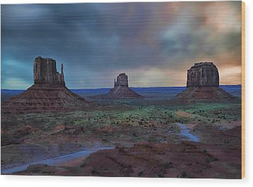 Wood Print featuring the photograph Monument Valley by Renee Hardison