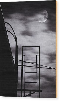 Moon Over Brooklyn Rooftop Wood Print by Gary Heller