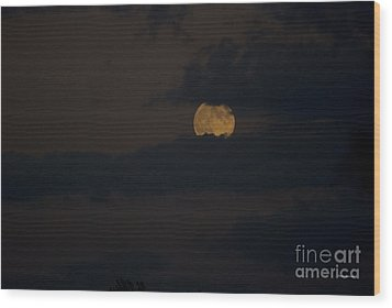 Moon Rising 04 Wood Print by Thomas Woolworth