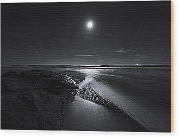 Moon River Wood Print by Richard Leon