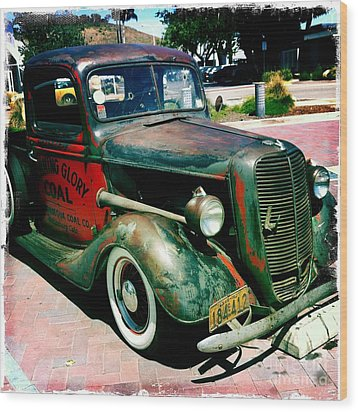 Wood Print featuring the photograph Morning Glory Coal Truck by Nina Prommer
