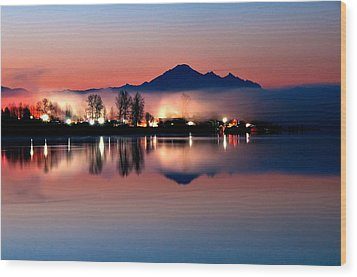 Morning Light And Fog Wood Print by Detlef Klahm