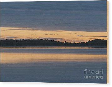 Morning Sun Rising At Arctic Sea Wood Print by Heiko Koehrer-Wagner