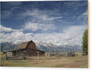 Wood Print featuring the photograph Moulton Barn by Geraldine Alexander