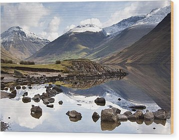 Mountains And Lake At Lake District Wood Print by John Short