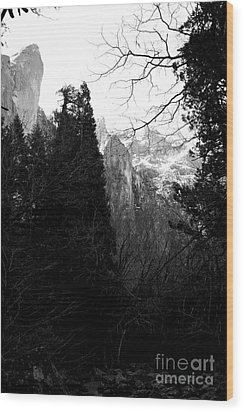 Mountains Of Yosemite . 7d6214 . Black And White Wood Print by Wingsdomain Art and Photography