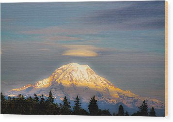 Mt Rainier Sunset With Lenticular Clouds Wood Print by David Patterson