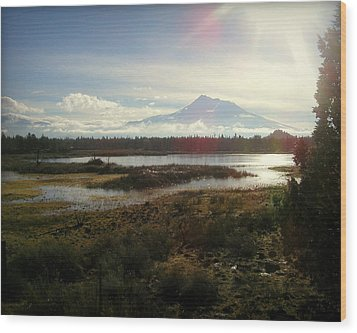 Mt Shasta Sunburst And Reflections Wood Print by Cindy Wright