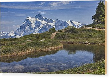 Mt Shuksan Wood Print by A A