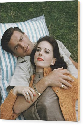 Natalie Wood And Robert Wagner, Late Wood Print by Everett