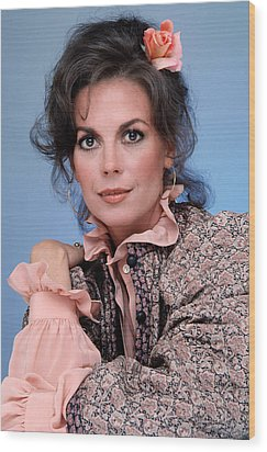 Natalie Wood In The 1970s Wood Print by Everett