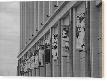 New York Mets Of Old  In Black And White Wood Print by Rob Hans