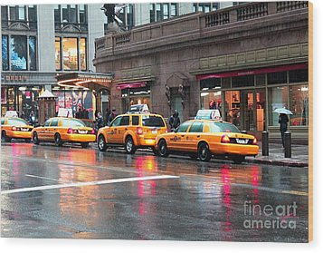 Wood Print featuring the photograph New York's Famous Cabs by Laurinda Bowling