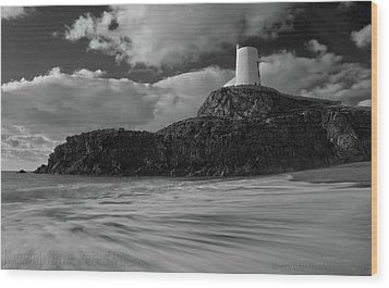 Wood Print featuring the photograph Niwbwrch Lighthouse by Beverly Cash