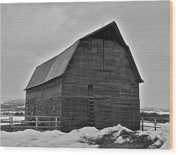 Wood Print featuring the photograph Noble Barn by Eric Tressler
