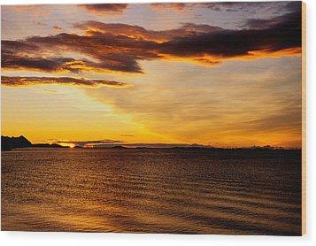 Northern Sunset Wood Print by Hakon Soreide