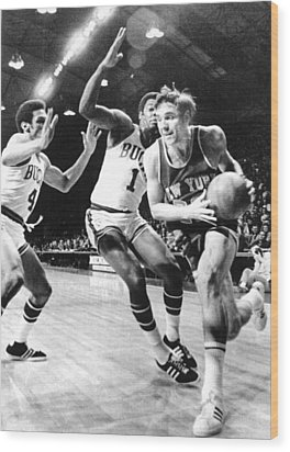 Ny Knicks Dave Debusschere Wood Print by Everett