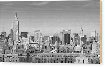 Nyc Bw Wood Print by Chuck Kuhn
