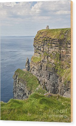 O'brien's Tower At Cliffs Of Moher Wood Print by Cheryl Davis