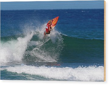 Off The Lip Wood Print by Paul Topp