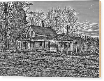 Old Abandoned Farmhouse Wood Print