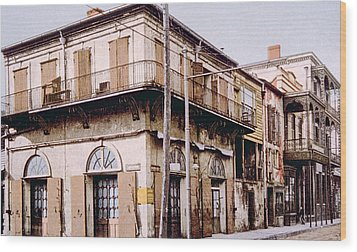 Old Absinthe House In New Orleans Wood Print by Everett