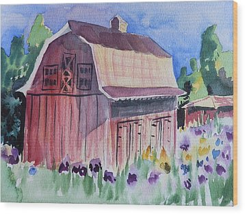 Old Barn In Payson Wood Print