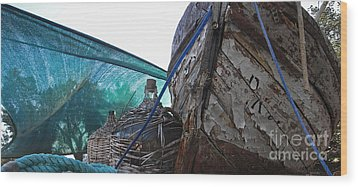 Old Boat And Flagons Wood Print
