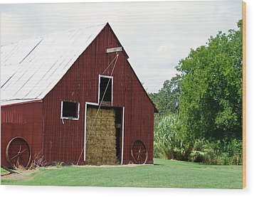 Old Bonham Barn II Wood Print by Lisa Moore