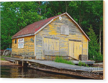 Wood Print featuring the photograph Old Cabin by Les Palenik
