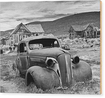 Old Car Bodie Wood Print