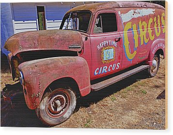 Old Circus Truck Wood Print by Garry Gay