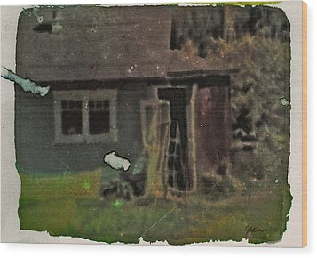 Old Cove Cottage  Wood Print by Janet Kearns