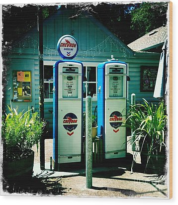 Old Fashioned Gas Station Wood Print