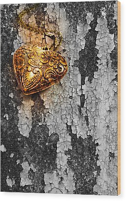 Old Heart  Wood Print by Natee Srisuk