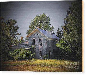 Old Home In Indiana Wood Print by Joyce Kimble Smith
