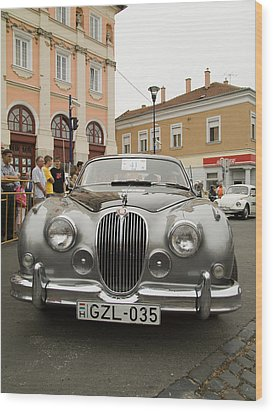Old Jaguar Wood Print by Odon Czintos