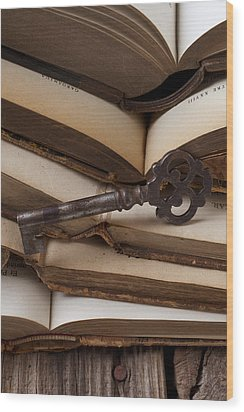 Old Key On Books Wood Print by Garry Gay