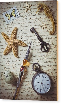 Old Letter With Pen And Starfish Wood Print by Garry Gay