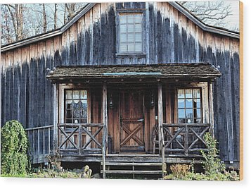 Old Log House2 Wood Print by Sandi OReilly