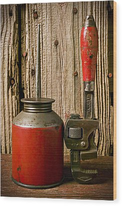 Old Oil Can And Wrench Wood Print by Garry Gay
