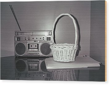 Old Radio And Easter Basket Wood Print by Floyd Smith