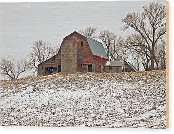 Wood Print featuring the photograph Old Red Barn by Edward Peterson
