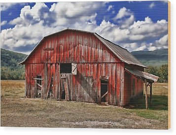 Wood Print featuring the photograph Old Red Barn by Renee Hardison